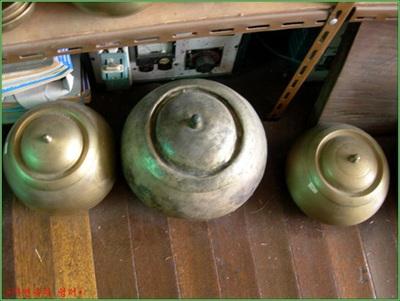 Korean_chamber_pots.jpg