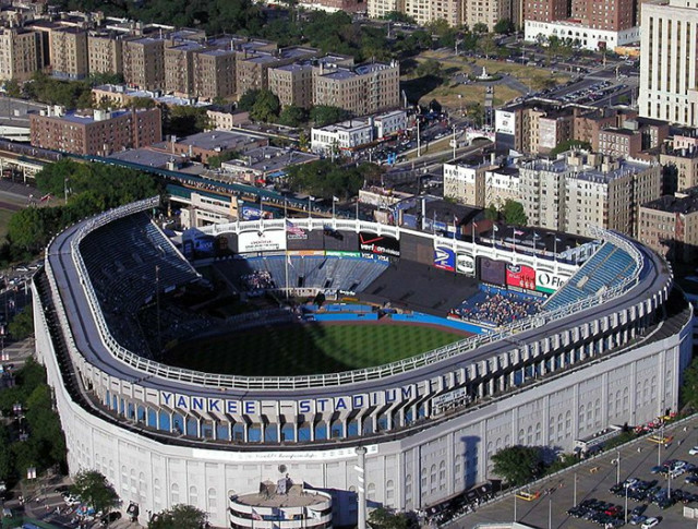 800px-Yankee_Stadium_aerial_from_Blackhawk.jpg