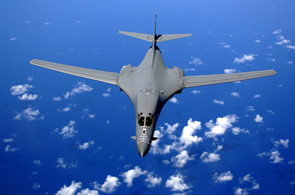 1024px-B-1B_over_the_pacific_ocean.jpg