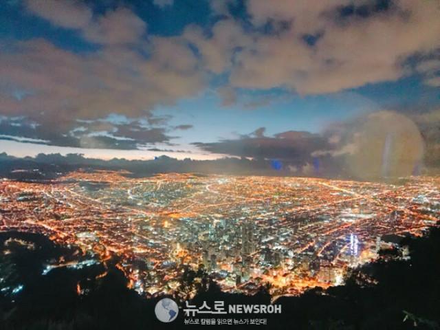 3 콜롬비아 수도 보고타의 몬세라테 야경.jpg