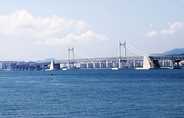 Korea-Busan-Gwangan_Bridge-02.jpg