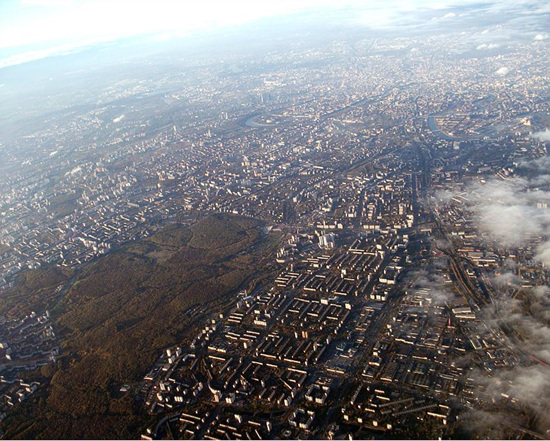 800px-Moscow_aerial_view_looking_towards_the_south-east.jpg