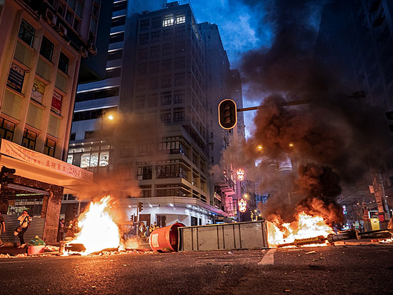 1024px-2019-09-15_Hong_Kong_anti-extradition_bill_protest_036.jpg